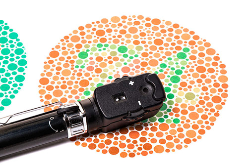 Ophthalmoscope and color vision test
